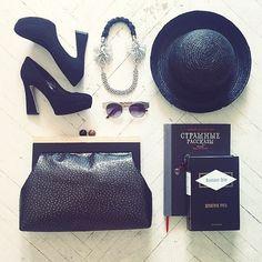 HOLYWOOL leather clutch