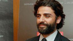 'Ex Machina' Actor Oscar Isaac Talks Growing Beards, Dancing & Lying to the Press About 'Star Wars'