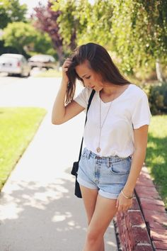 Attractive College Outfits For Girls (33)
