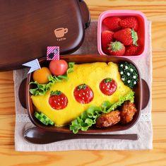 いつもの #オムライス に飽きてない?ちょっとの手間でかわいくなる盛り付けアイデア|#おうちごはん Bento Kids, Bento Box Lunch, Cute Food, Yummy Food, Cute Baking, Cute Bento, Bento Recipes, Kids Menu, International Recipes