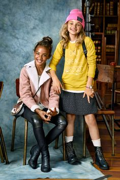 Teach a masterclass in fashion with colorful & sophisticated girls clothes with attitude. Shop H&M's back to school outfits to ace this year's style.