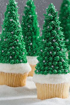 Make WINTER TREE CUPCAKES using inverted sugar ice cream cones
