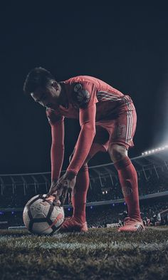 Football Images, Football Pictures, River Tattoo, Sports Shoes For Girls, River I, One Piece Pictures, Liverpool Football Club, Gymnastics Girls, Sports Wallpapers