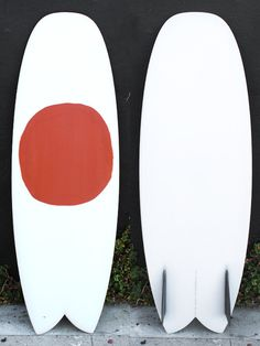 5'5 Tyler Warren Swallowed Soap These Simmons inspired shapes are wide and compact and fast and loose. Hull entry and spiral v through the fins, The Bar of Soap is a versatile board that's quick down the line and easy to maneuver. Hand foiled bamboo twin keel fins. Shaped by Tyler Warren.