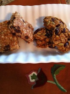 @StricklandCathy made our Pumpkin Cranberry Cookies (on the right)! Clean eating.