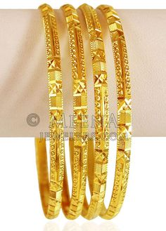 22 KT Gold Bangles Set PCs) - - Gold Bangle set (set of are excellently designed in Indian style with fine machine cuts. New Gold Jewellery Designs, Gold Mangalsutra Designs, Gold Bangles Design, Armband Rosegold, Gold Armband, Gold Bangles For Women, Gold Bracelets, Charm Bracelets, Gold Jewelry Simple