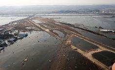 SendaiAirportMarch16 - 東日本大震災 - Wikipedia