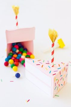 Cool Gift Wrapping Ideas - DIY Birthday Cake Box - Creative Ways To Wrap Presents on A Budget - Best Christmas Gift Wrap Ideas - How To Make Gift Bags, Reuse Wrapping Paper, Make Bows and Tags - Cute and Easy Ideas for Wrapping Gifts for the Holidays - Step by Step Instructions and Photo Tutorials http://diyjoy.com/gift-wrapping-tutorials #giftswrappingchristmas