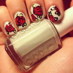 Red Roses Nail Designs