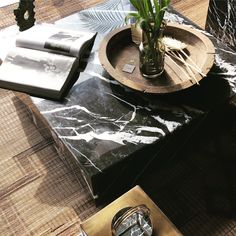 Marble is a timeless nature material for interior. This coffeetable is a musthave for designlovers. #marble #coffeetabledecorating #interiordesignlivingroom Moroccan Interiors, Interior Design Living Room, Marble, Nature, Home Decor, Berber Carpet, Handmade, Naturaleza, Decoration Home