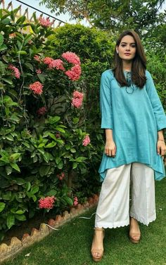 Flowers and wall look Pakistani Frocks, Simple Pakistani Dresses, Pakistani Fashion Casual, Pakistani Dress Design, Pakistani Outfits, Pakistani Actress, Ethnic Fashion, Indian Dresses, Indian Outfits