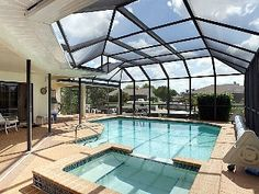 Waterfront Luxury Family Home, Boat (optional), Heated Pool & Jacuzzi, Fishing