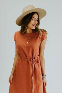 idalia roolee linen dress Idalia Linen Dress ROOLEEYou can find Linen dresses and more on our website Linen Dresses, Modest Dresses, Bridal Dresses, Casual Dresses, Dress For Summer, Summer Dresses, Burn Dressing, Burnt Orange Dress, Shirt Dress