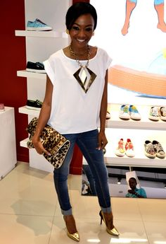 love the cuffed jeans, stilletos, and white top with standout necklace, clutch Black Girl Fashion, Cute Fashion, Fashion Outfits, Womens Fashion, Fashion Fashion, Celebrity Outfits, Celebrity Style, Fashion Network, Fashion Advice