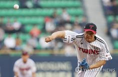 김대현 무실점+홈런 3방…LG, 5할 승률 지키며 전반기 마감 [토토군 뉴스]