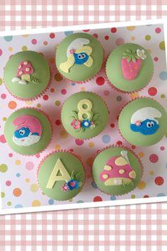 The Smurfs cupcakes by Hana Rawlings