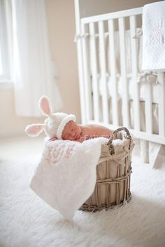 I really want to do this with my son!! He'll be born around Easter and this would be a really cute newborn picture.