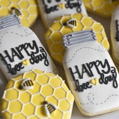 """Help us celebrate our busy bee's day!"""" This birthday set is the perfect gift for the """"busy bee"""" in your life! The set will come as pictured: half """"Happy Bee-day"""" jars cookies and half honey comb decorated cookies. Bumble Bee Birthday, Baby First Birthday, First Birthday Parties, First Birthdays, Happy Birthday, Birthday Ideas, Birthday Photos, Bee Cookies, Sugar Cookies"""