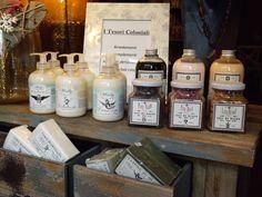 Creme idratanti per il corpo e saponi naturali , a   base di olio d'oliva ,aloe e lavanda.
