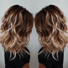 Les Plus Beaux Balayage Cheveux Tendance 2017 Balayage – hair ideas Layered Curly Hair, Medium Layered Hair, Medium Curly, Long Curly, Medium Curled Hair, Ombre Medium Hair, Medium Hair Styles With Layers, Long Bob With Layers, Long Messy Bob