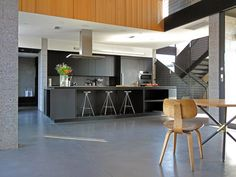 Upper Rockridge Residence by AAA Architecture