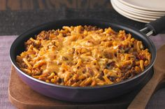 Cheesy Macaroni-Beef Skillet Recipe - Kraft Recipes made this for dinner tonight yummy! Kraft Recipes, Beef Recipes, Cooking Recipes, Cheesy Recipes, Kraft Foods, Frugal Recipes, What's Cooking, Pasta Recipes, Beef Skillet Recipe