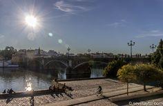 Una agradable tarde junto al Río. A nice afternoon by the River, Seville.