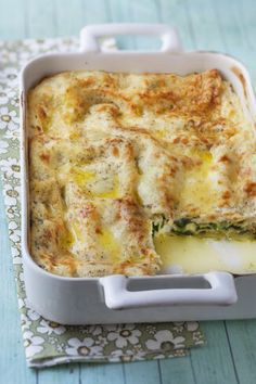 lasagna recipe with ricotta ~ lasagna recipe ; lasagna recipe with ricotta ; lasagna recipe with cottage cheese ; lasagna recipe with ricotta beef Veggie Italian Sausage, Veggie Italian Recipes, Veggie Soup Recipes, Italian Dinner Recipes, Pasta Salad Recipes, Classic Lasagna Recipe Easy, Easy Lasagna Recipe With Ricotta, Vegetarian Lasagna Recipe, Spinach Lasagna