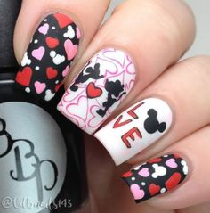 Nails design valentines minnie mouse ideas for 2019 Cute Pink Nails, Pink Nail Art, Yellow Nails, Purple Nails, Love Nails, Pretty Nails, Style Nails, Cute Halloween Nails, Halloween Acrylic Nails