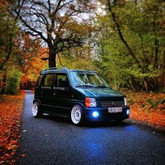 My mate wants to modified his Vauxhall Agila for a laugh, can you give him some inspiration as i& struggling to find ones that are modified (cos it& such a sick car people are scared to mod it) Suzuki Wagon R, Suzuki Alto, Kei Car, Old School Cars, Mini Trucks, Daihatsu, City Car, Small Cars, Cars And Motorcycles