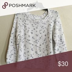 AEO sweater Please note that this is labeled a size XL, but fits like a size M/L in my opinion • EUC • 3/4 sleeve • Heavy • 55% ramie , 45% cotton American Eagle Outfitters Sweaters Crew & Scoop Necks