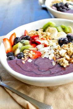 Acai Bowl - Smoothie Portion - 2 oz  almond milk, 1/2 banana, 1/2 cup strawberries, 1/2 cup frozen blueberries, 1 Açaí Smoothie Pack