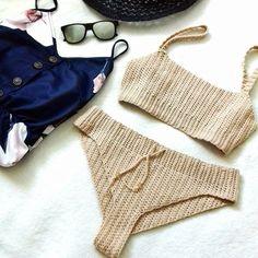 Fabulous Crochet a Little Black Crochet Dress Ideas. Georgeous Crochet a Little Black Crochet Dress Ideas. Bikini Crochet Patron, Motif Bikini Crochet, Bikinis Crochet, Crochet Bikini Bottoms, Crochet Shorts, Black Crochet Dress, Crochet Lace, Crochet Style, Crochet Lingerie