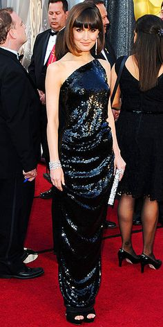 Academy Awards 2012, Rose Byrne, wearing Vivienne Westwood, and Chanel jewels. I like this dress! I like the back more, but Rose looked really good! (Much better than that awful jumpsuit!)