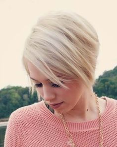Chic Short Hairstyle for Straight Hair: Easy Haircuts for Women and Girls...love this