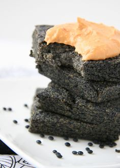 "What is ""Beluga Bread"" you may ask? It's a bread-like invention using black Beluga lentils (of course haha)! These small black lentils were on sale at the local health store and I just had to try t..."