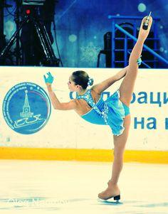 Julia Lipnitskaya.. oh, to be that flexible... D: