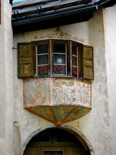Ornate window by Kelly*Elizabeth, via Flickr