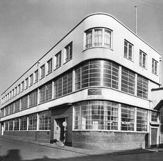 Headquarters for Josiah Parkes & Sons in Gower Street, completed Wille, Walsall, Wolverhampton, Multi Story Building, Art Deco, England, Mansions, Country, Architecture