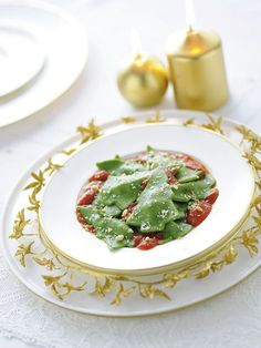 Alberelli natalizi di patate e spinaci con pinoli