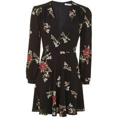 Floral v-Neck Skater Dress by Glamorous Petites (115 BRL) ❤ liked on Polyvore featuring dresses, floral dresses, long sleeve skater dress, v-neck dresses, long sleeve dresses and skater dresses