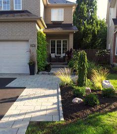 Exploring landscape & garden design in Ottawa Front Walkway Landscaping, Front Yard Walkway, Front Yard Garden Design, Front Yard Decor, Modern Front Yard, Modern Landscaping, Driveway Gate, Landscaping Design, Garden Landscaping