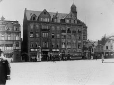 Viehofer Straße und Rottstraße mit dem alten Polizeipräsidium und dem so…