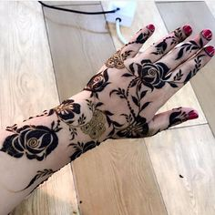 Arabian Mehndi Design, Khafif Mehndi Design, Floral Henna Designs, Henna Tattoo Designs Simple, Mehndi Designs Book, Stylish Mehndi Designs, Mehndi Designs 2018, Mehndi Design Photos, Beautiful Henna Designs