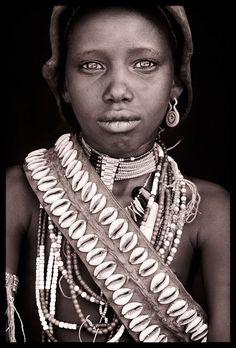 Omo Valley: Sub Saharan Journeys JOHN KENNY 2009