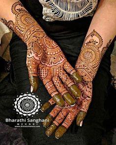 Always a pleasure to henna brides in my hometown Derby :) Bridal henna last week for the lovely Shamila Rashid @makeupbyshamila  #bharathisanghani #bharathisanghanimehndi #henna #mehndi #hennapro #hennaartist #internationalhennaartist #asianwedding #hennaglove #wedmegood #floralart #instahenna #freshhenna #indianweddinginspiration #realindianwedding #internationalhenna #allthingsbridal #hennafashion #bridalhenna #creativeartist #hennabodyart #naturalhenna #hennalookbook #asianbridal…