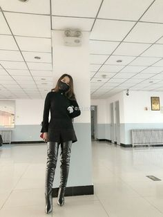 Black Boots Outfit, Winter Boots Outfits, Black High Boots, Thigh High Boots Heels, High Leather Boots, Heeled Boots, Shoe Boots, Long Boots, Thigh Length Boots