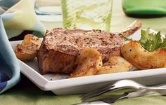 The best thing about this pork chop dish is that it takes only 14 minutes of your time! Try Apple Pork Chops for your family dinner! Mrs Dash Recipe, Pork Chop Calories, Low Sodium Recipes, Healthy Recipes, Healthy Foods, Sodium Foods, Healthy Heart, Healthy Dinners, Apple Pork Chops
