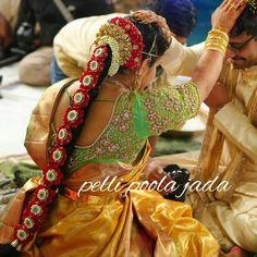 South Indian Wedding Hairstyles, Bridal Hairstyle Indian Wedding, Bridal Hair Buns, Bridal Braids, Bridal Hairdo, Bridal Hair Flowers, Bride Hairstyles, Wedding Saree Blouse, Bridal Silk Saree