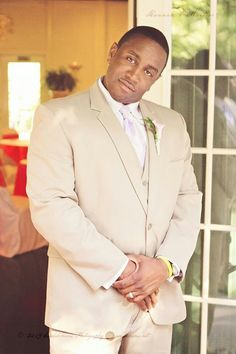 Groomsman with Personality | Candidhams Lifestyle Wedding Photography | Lexington, SC